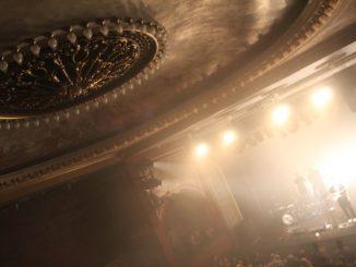 Nieumiarkowania teatralne. Błażej Król w Teatrze Osterwy